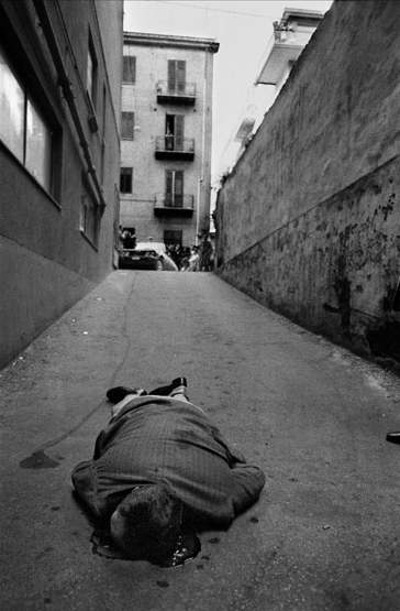 Palermo, 1976. Ucciso mentre andava in garage. Black and white photograph - Image 10 of 13