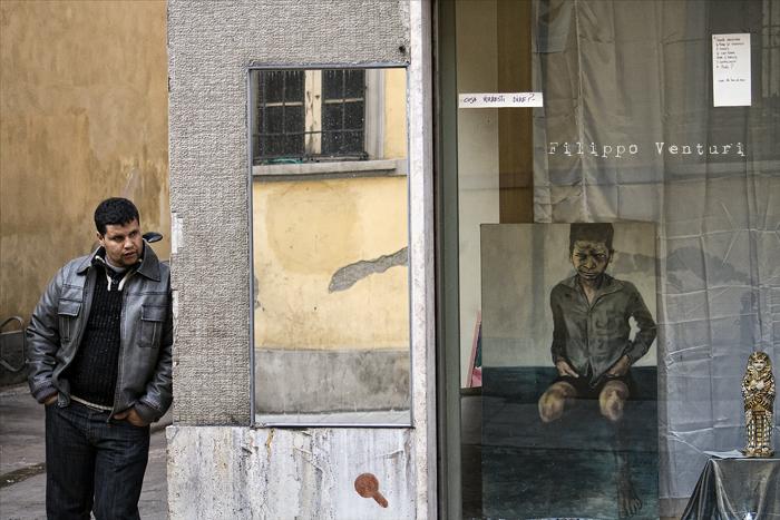 Il Re oggi gira. Voi no? (Via Giorgio Regnoli, Forlì) Associazione Casa del Cuculo - Foto 1