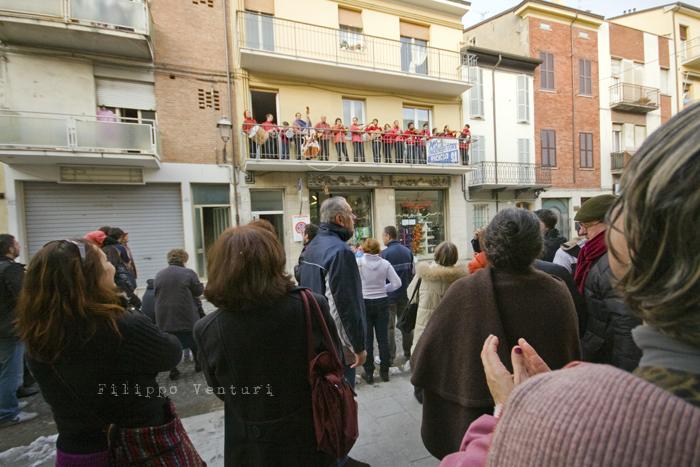 Il Re oggi gira. Voi no? (Via Giorgio Regnoli, Forlì) Associazione Casa del Cuculo - Foto 4