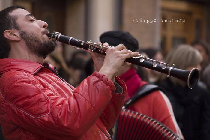 Il Re oggi gira. Voi no? (Via Giorgio Regnoli, Forlì) Associazione Casa del Cuculo - Foto 11
