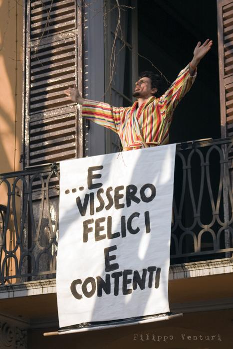 Il Re oggi gira. Voi no? (Via Giorgio Regnoli, Forlì) Associazione Casa del Cuculo - Foto 25