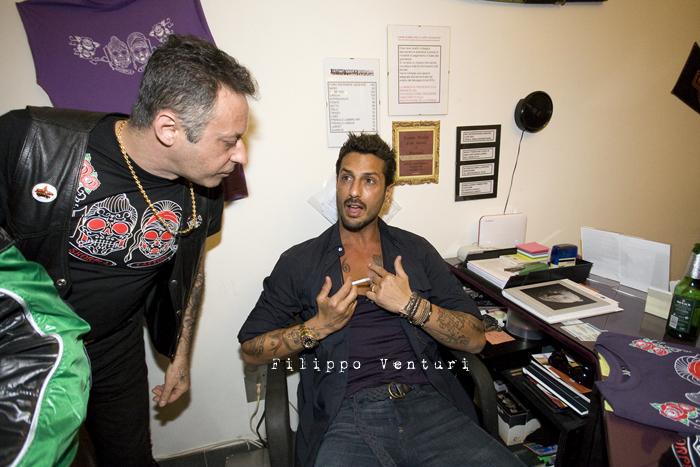 Fabrizio Corona allo Skorpia Tattoo Studio di Cesena (foto 3)