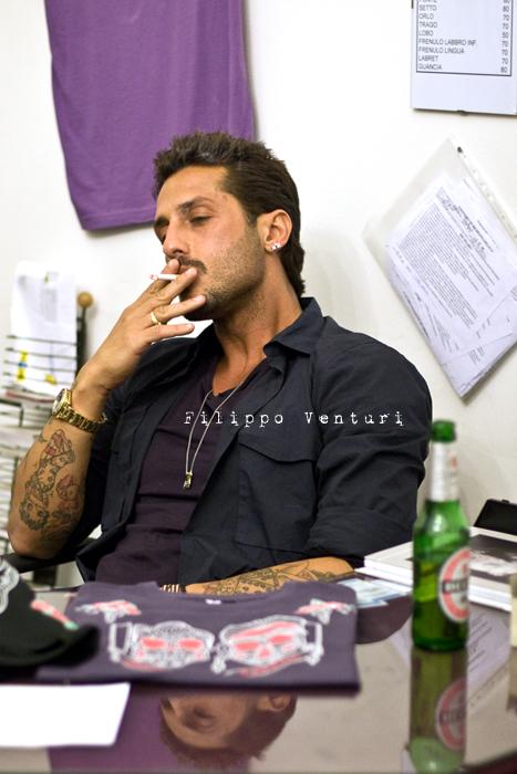 Fabrizio Corona allo Skorpia Tattoo Studio di Cesena (foto 5)
