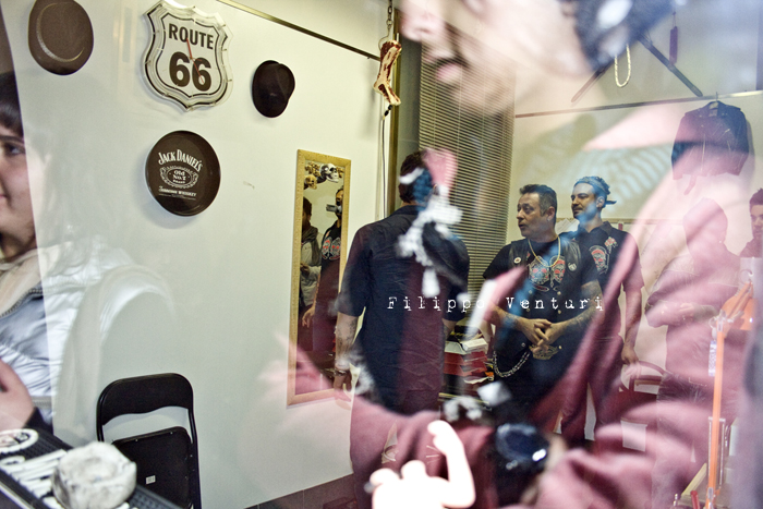 Fabrizio Corona allo Skorpia Tattoo Studio di Cesena (foto 9)