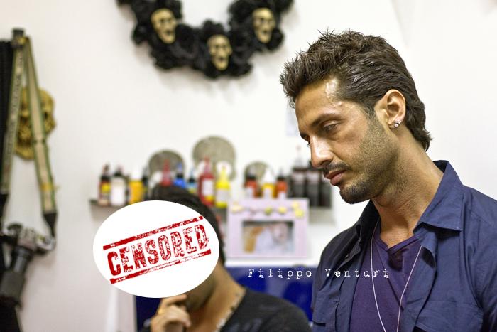 Fabrizio Corona allo Skorpia Tattoo Studio di Cesena (foto 11)