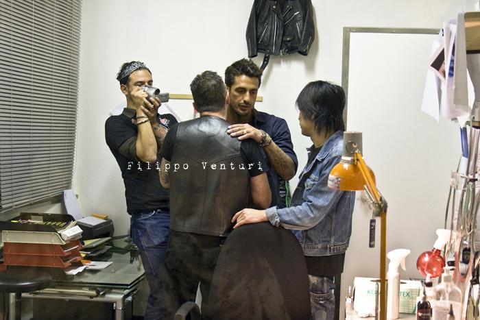 Fabrizio Corona allo Skorpia Tattoo Studio di Cesena (foto 22)