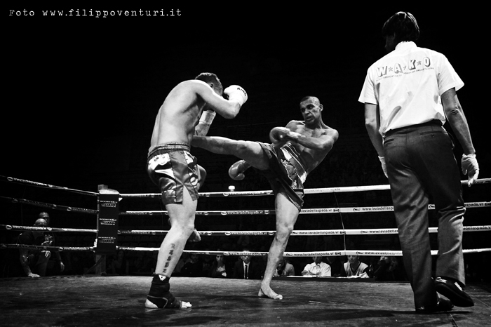 Fight Never End 2 - 12 Match - Thai Boxe - Kick Boxing - K1 Rules - Savate Pro - Muay Thai (photo 3)
