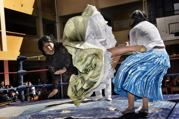 Arts and Entertainment: 2nd prize stories. Daniele Tamagni, Italia - The Flying Cholitas, Bolivia
