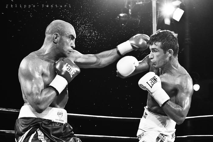 Boxe: Matteo Signani vs Lorenzo Cosseddu (foto 3)