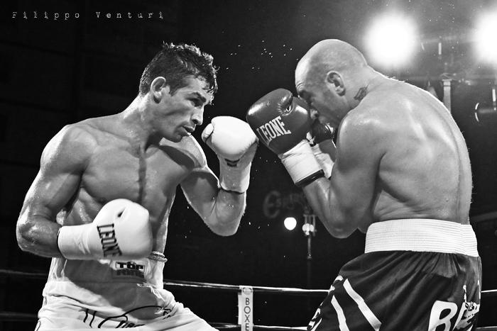 Boxe: Matteo Signani vs Lorenzo Cosseddu (foto 4)