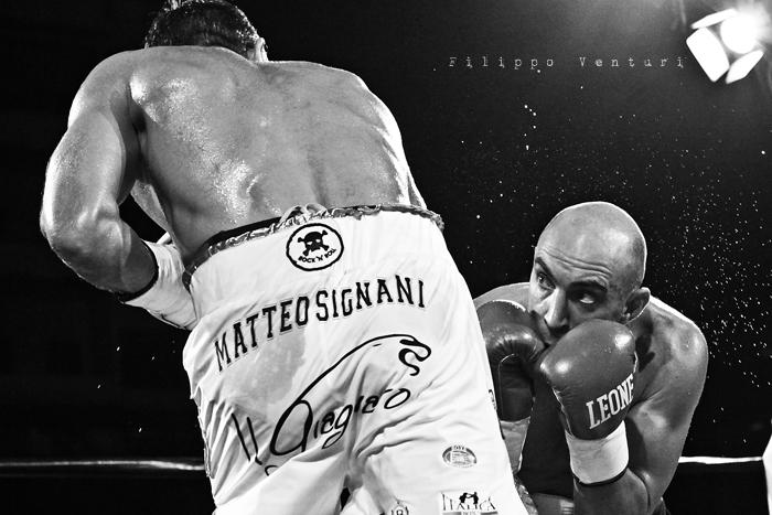 Boxe: Matteo Signani vs Lorenzo Cosseddu (foto 5)