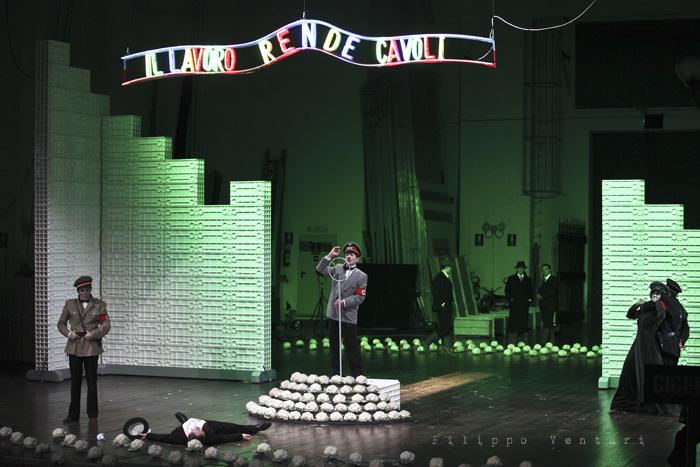 La Resistibile Ascesa di Arturo Ui, di Bertolt Brecht, con Umberto Orsini, foto 24