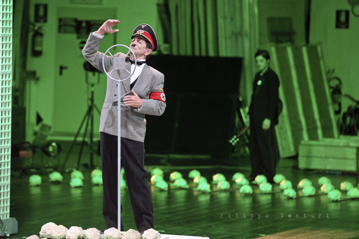 La Resistibile Ascesa di Arturo Ui, di Bertolt Brecht, con Umberto Orsini, foto 25