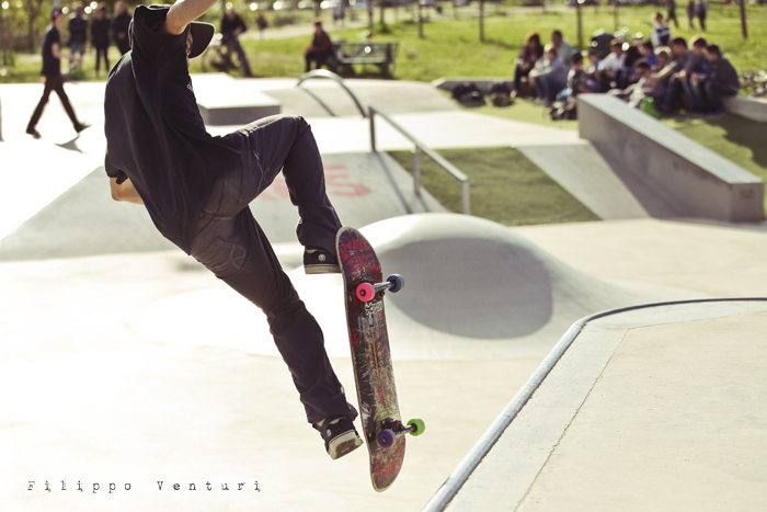 Jurassic Skatepark: Who is the rider? (foto 2)