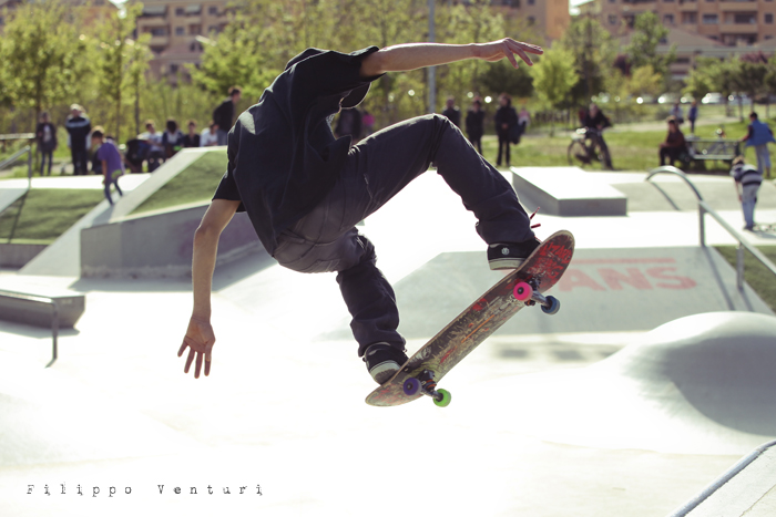 Jurassic Skatepark: Who is the rider? (foto 3)