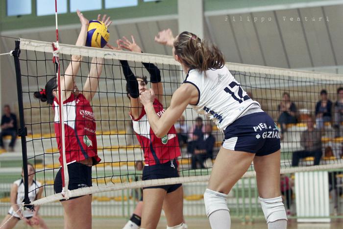 Volley Club Cesena - Edil Ceccacci Moie (foto 3)