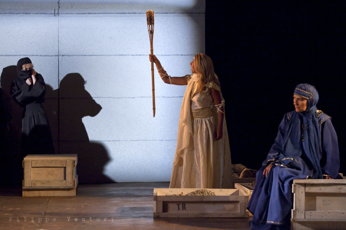 Le Troiane, con Ivana Monti ed Edoardo Siravo, foto 11
