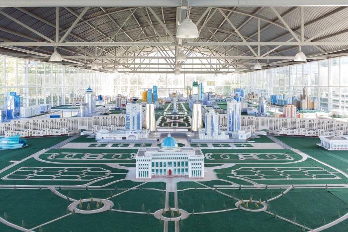 2030 Birth of a Metropolis, premiato da FPmag ed esposto a Photolux