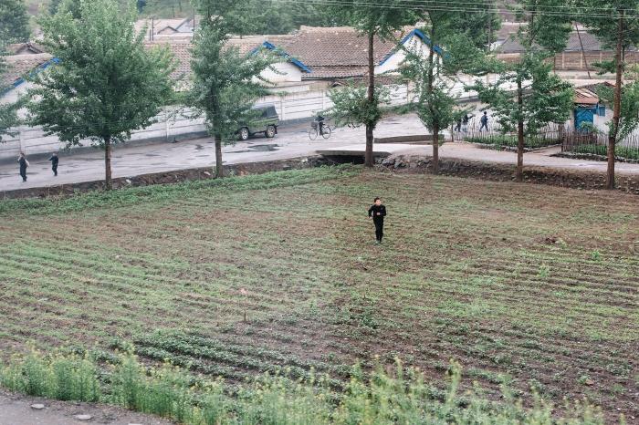 Uncensored, crossing North Korea by train, photo 10