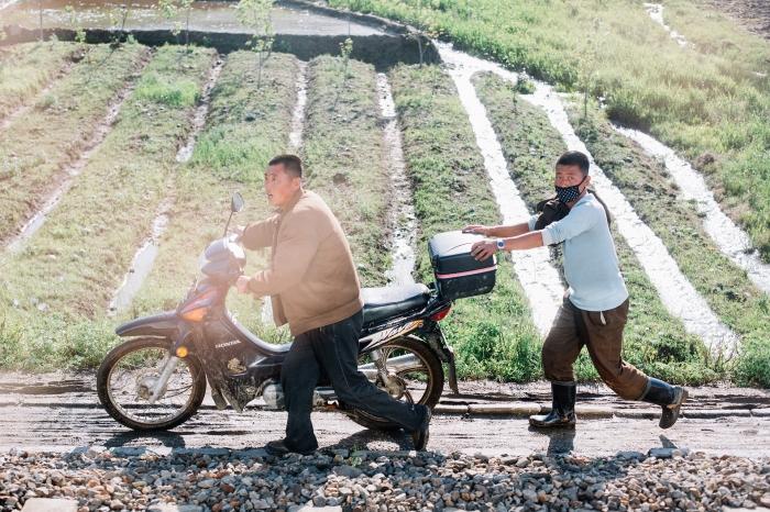 Uncensored, crossing North Korea by train, photo 21